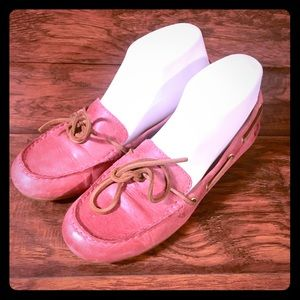 Born Pink Leather Driving Mocs Womens 6.5 B68984